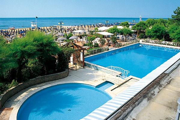 Hotel 4 stelle con piscina jesolo - Hotel con piscina jesolo ...